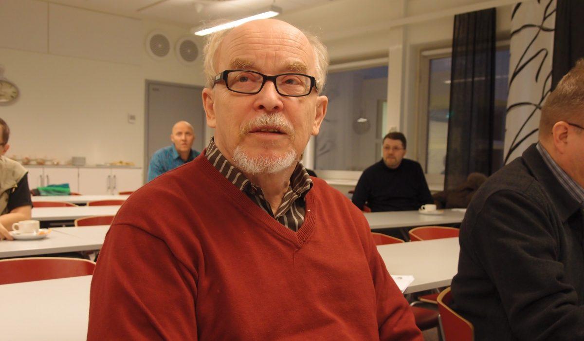 KYTin puheenjohtaja Möttönen ruotii sotea uudessa julkaisussa